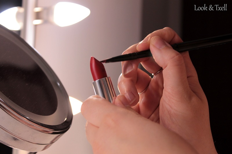 Detalles maquillaje labios rojos by Look & Txell